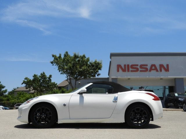 New 2017 Nissan 370z Touring 2d Roadster In Austin M940221 South