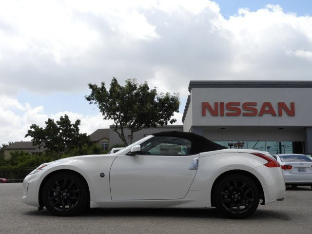 Nissan 370Z Convertible >> New 2017 Nissan 370z Touring Rwd 2d Roadster